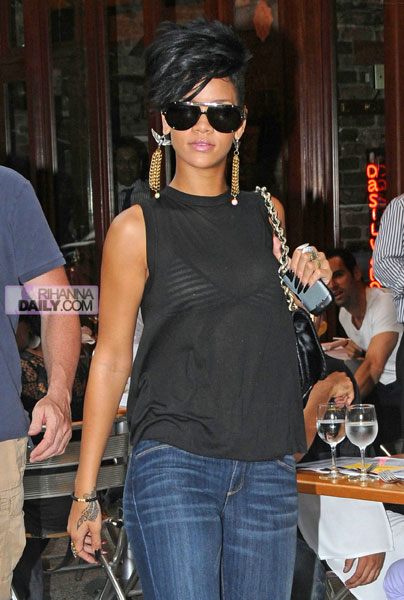 Rihanna turned heads when she debuted her new shaved hairstyle onthe streets